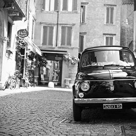 Fiat 500 oldtimer in Verona Italie van Jasper van de Gein Photography
