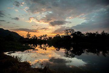 Zonsondergang in paradijs 3 van Rob Smit