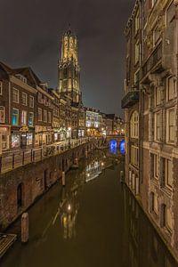 Domtoren en Vismarkt in Utrecht in de avond