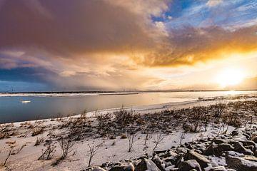 Icelandic winter sky  van Andreas Jansen
