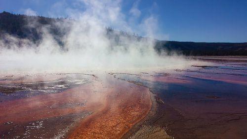 Geiser Bron Yellowstone USA van