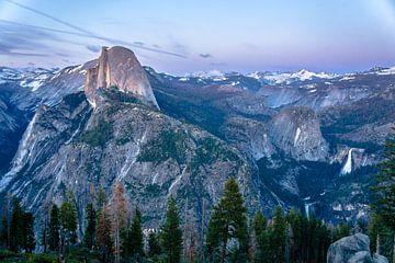 La vallée de Yosemite dans la lumière du soir sur Leo Schindzielorz
