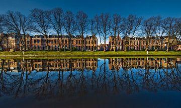 Reflectie in blauw van Harrie Muis