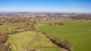 Luchtfoto van het Geuldal in Zuid-Limburg van John Kreukniet