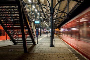 Station Groningen, Vertrekkende trein (kleur) van Klaske Kuperus