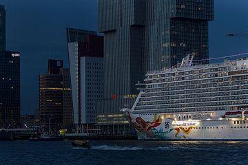 Cruisestad Rotterdam van Eus Driessen