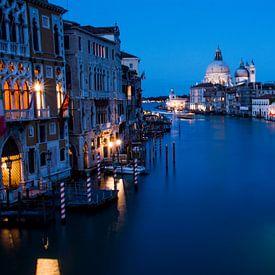 Venetië - nachtfoto - Grand Canal van Ton de Koning