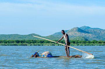 Ethiopië: Visser op Chamo meer (Arba Minch) van Maarten Verhees