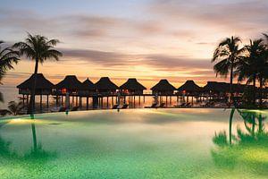 LPH 71312217 Tropisch resort met palmbomen, Bora Bora