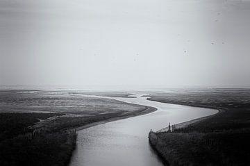 Wattenmeer schwarz-weiß bei Ebbe von John Quendag