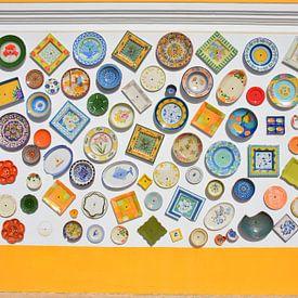 Kleurrijke gevel keramiek winkel in de Portugese Algarve van My Footprints