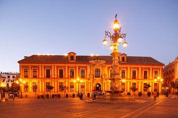 Sevilla : Palacio Arzobispal op het Plaza Virgen Los Reyes van Torsten Krüger