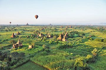 Ballonvaart boven de tempels van Bagan van