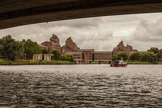 Gouvernement in Maastricht vanaf het water
