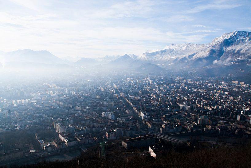Prachtig uitzicht over de stad Grenoble in Frankrijk van Rosanne Langenberg