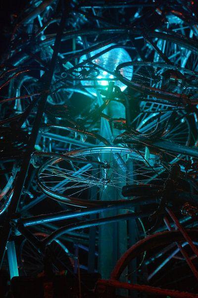 Groningen / Straatkunst / Met LED verlichtte kerstboom van oude fietsen III / 2010