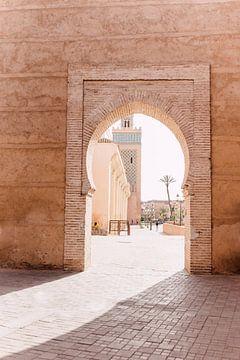 Porte à Marrakech | Photographie de voyage au Maroc sur Yaira Bernabela