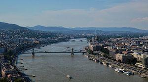 Uitzicht over de bruggen van Boedapest