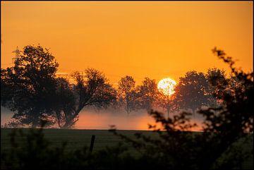Misty Dutch Sunrise van E.H. Efek