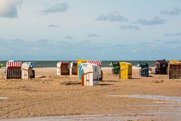 Beach chairs at the beach near Nebel van Alexander Wolff
