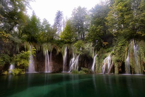 Wonderland in Plitvice van Roy Poots