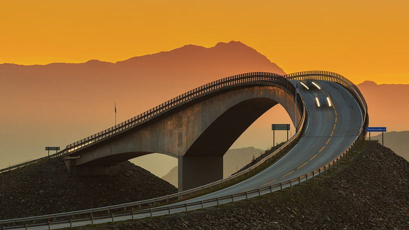 La route de l'océan Atlantique avant le lever du soleil, Norvège sur Henk Meijer Photography