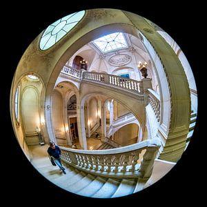 Treppenhaus des Louvre, Paris von Herman van Heuvelen