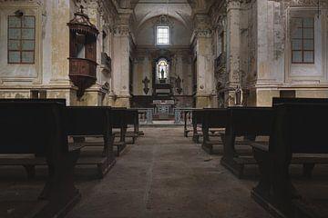 Kerk binnenkomen van Perry Wiertz