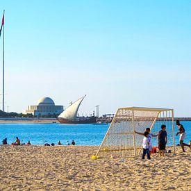 Strand op zondag van René van Stekelenborg