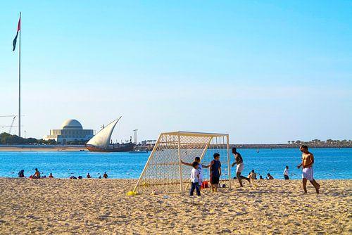 Strand op zondag van