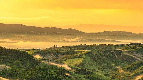 Tuscan Sunrise van Teun Ruijters