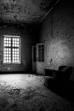 Sitzen und Warten 2 von Kirsten Scholten