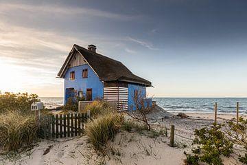Het blauwe huis aan zee van Werner Reins