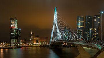 Erasmusbrug met De Rotterdam sur Mark De Rooij
