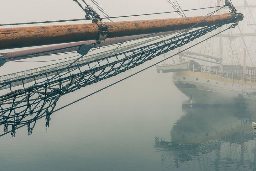 Mistige morgen langs de IJsselkade van Fotografiecor .nl