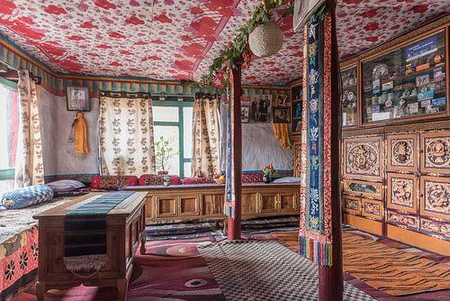 Tibetaans interieur in de Himalaya in Nepal