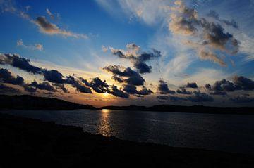 Romantische zonsondergang van Yrla Lucassen