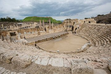 Romeinse theater in Bet She An in Israel van Joost Adriaanse