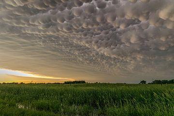 Mammatus nuages sur le Nebraska sur Menno van der Haven