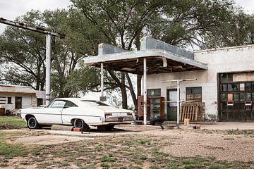 Altes Auto entlang der historischen Route 66 von Els Broers