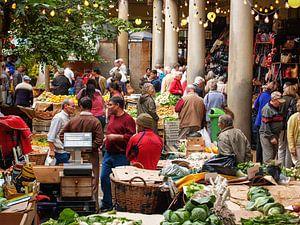 Market in Funchal, Madeira van Ruth Klapproth