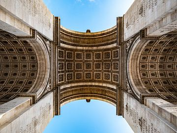 Arc de Triomphe à Paris vue d'en bas sur Martijn Joosse