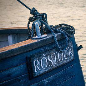 Detail van een zeilschip in de stadshaven van Rostock van Rico Ködder