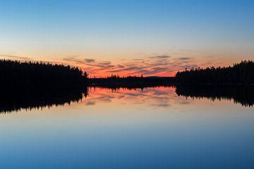 Scherenschnittreflexion mehr in Finnland von Leon Brouwer
