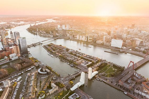 Luchtfoto Rotterdam Centrum met ingepakte Hef van Prachtig Rotterdam