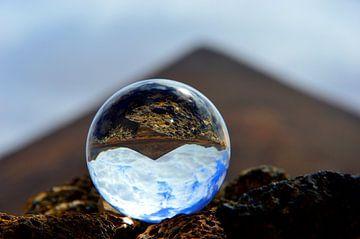 Volcan par boule de verre sur Dustin Musch