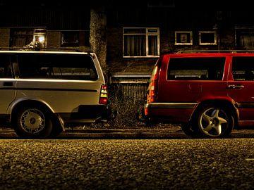 Volvo 240 en 850 rug aan rug van Jan-Loek Siskens