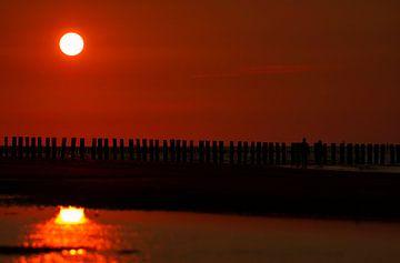 Zonsondergang aan zee (Breskens) van Els Vercauteren