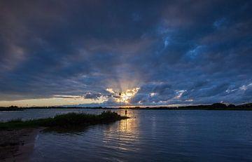 Visser op rivier de lek Culemborg van Peter Haastrecht, van