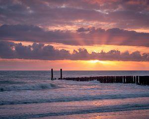 Kleurrijke zonsondergang in Zeeland